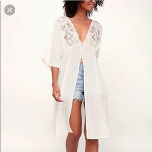 Sadie & Sage - Embroidered Duster Top - small